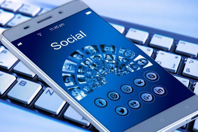 Como educar a los menores en el uso de las redes sociales